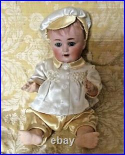 ANTIQUE GERMAN CHARACTER BABY SCHUTZMEISTER & QUENDT/S&Q 201 15 ins c. 1900