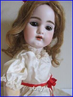 Antique Doll SIMON HALBIG 1079 DEP- 19, PIERCED EARS, Orig. Pate and HH Wig EUC