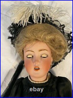 Further reduced. Elegant Lady Doll, 24 Simon and Halbig 1159