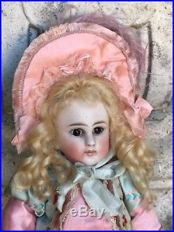Rare Mold 137 Belton Type Doll 9,5 Inches Tall
